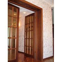 Распашные двери: основная информация о параметрах изделий