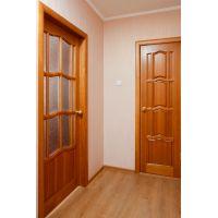 Межкомнатные двери из деревянного массива: сосна, её преимущества