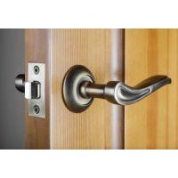 Виды дверных ручек и их применение в интерьере